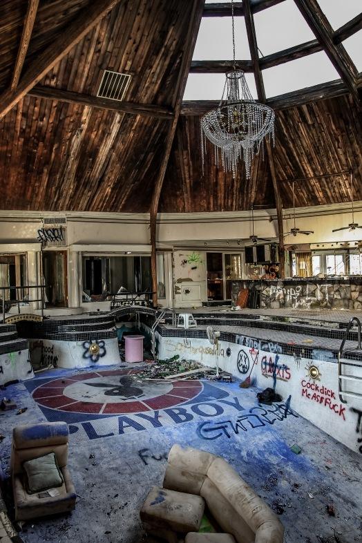 Swinger's Tiki Palace