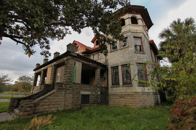 Drew Mansion – Abandoned Southeast