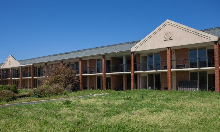 Governor's House Motel