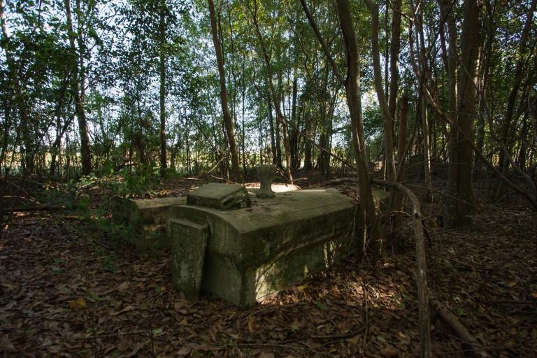 Plantation Cemetery